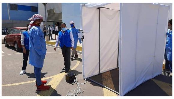 Trujillo: Empresario Yaqoob Mubarak dona túnel de desinfección para hospital