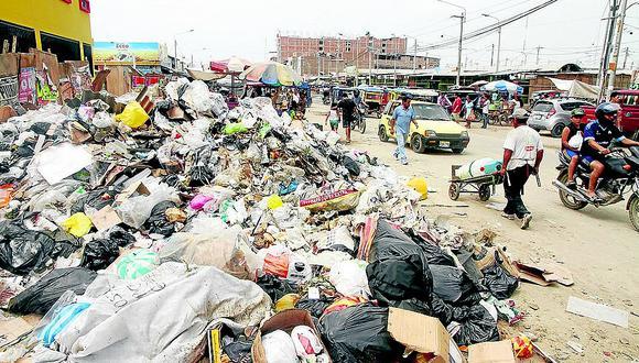 Alerta bacteriológica por acumulación de basura en los distritos de Piura