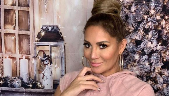 Connie Peña afirmó que en sus redes sociales siempre afirma que no es Jennifer Lopez. (Foto: Instagram / @conniepena).