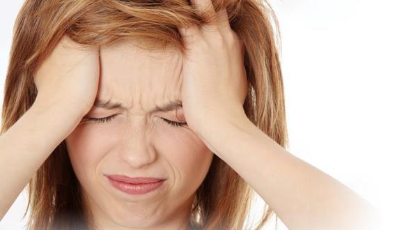 El cambio de hábitos y el estrés generados por la pandemia pueden ser los causantes de que la población sufra de cefaleas crónicas.