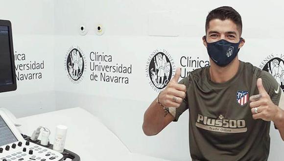 Luis Suárez durante los exámenes médicos con Atlético de Madrid. (Foto: @Atleti)