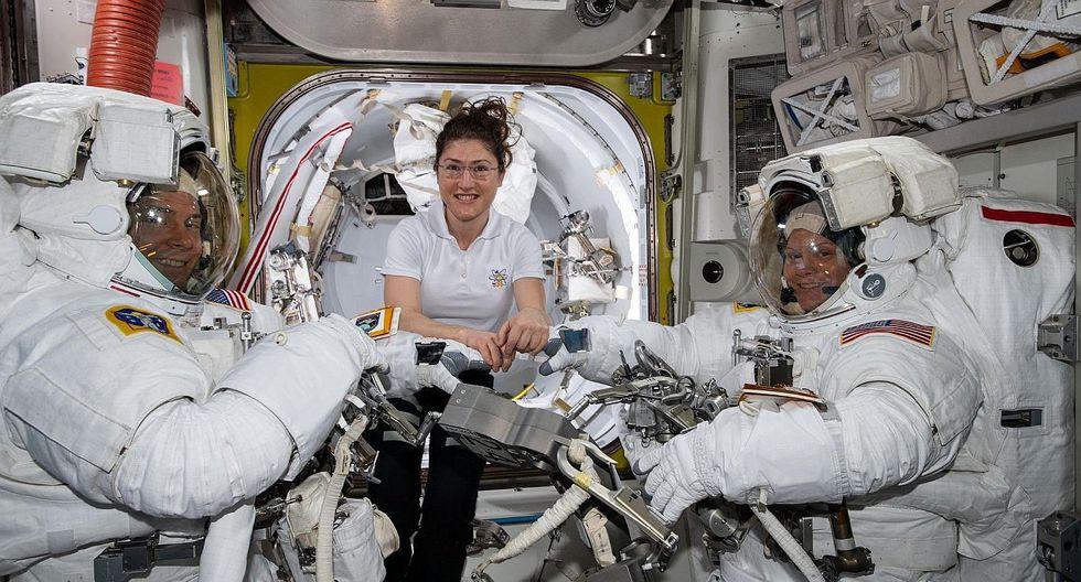 La NASA canceló el primer paseo espacial de dos mujeres por trajes inadecuados