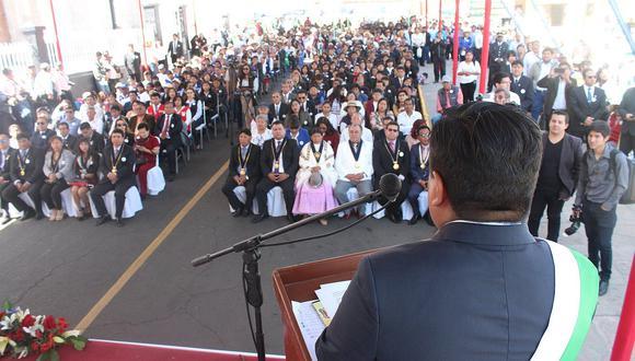 Paucarpata celebra aniversario en medio de enormes deudas