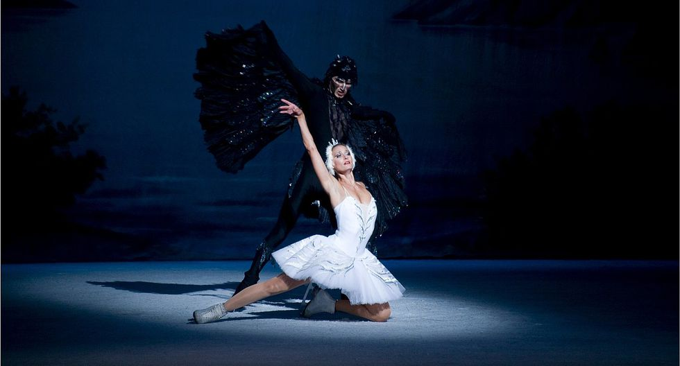 """Ballet Estatal de San Petersburgo sobre Hielo presentará """"El lago de los cisnes"""""""