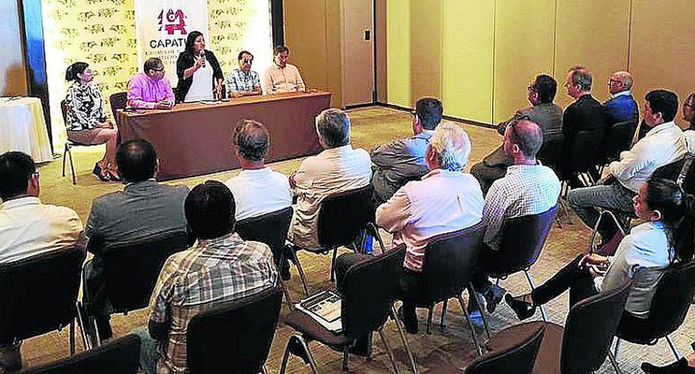 """Alcaldesa y empresarios promoverán la """"Marca Paracas"""""""