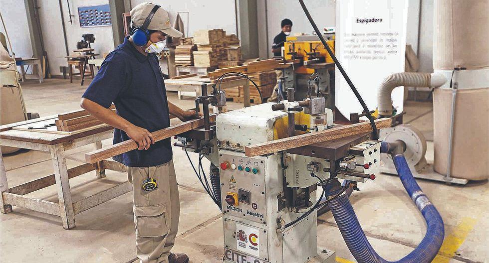 AFP: Subsidiar los aportes sociales permitirá impulsar el empleo juvenil en el Perú