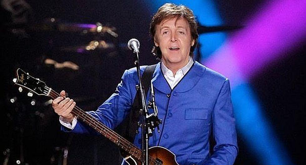 Paul McCartney comete curioso error en concierto (FOTOS)