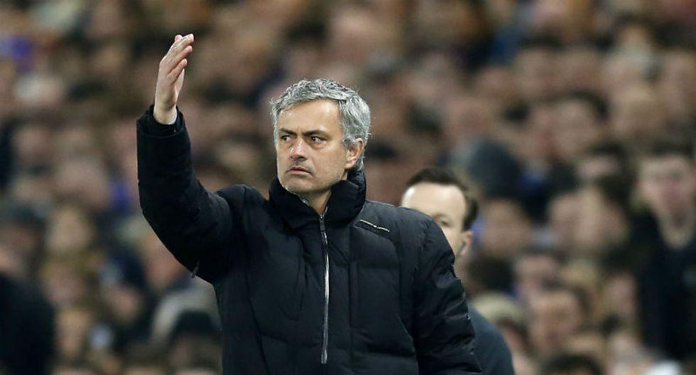 José Mourinho critica a su defensa tras eliminación en Champions League