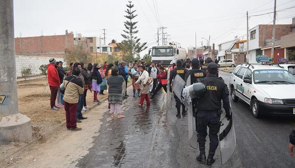 Ambulantes intentan expandirse en la avenida Los Ediles en el cono sur