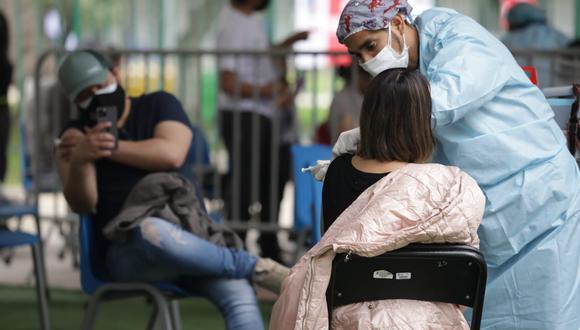 El Ministerio de Salud (Minsa) anunció la sétima vacunatón para el sábado 4 y domingo 5 de setiembre, donde se inmunizará a personas de 32 y 33 años. (Foto: Britanie Arroyo / @photo.gec)