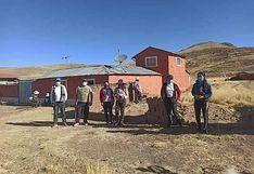 Profesionales se unen e instalan internet en la comunidad de Huataquita