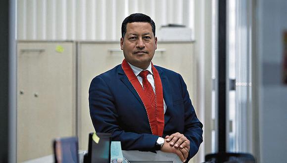 Fiscal superior Omar Tello recordó que la fiscal Janny Sánchez no tiene competencia para investigar a los exministros y al propio presidente Martín Vizcarra. (Foto: GEC)