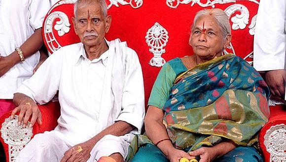 Mujer que dio a luz gemelos a los 73 años murió de un infarto (FOTO)