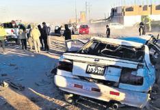 Tres fallecidos y tres heridos en choque frontal de dos autos