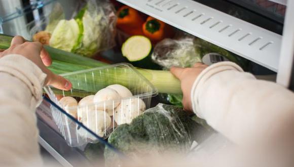 En el verano, los alimentos que consumimos a diario tienden a descomponerse rápidamente, así como a generar enfermedades si no se practican los cuidados necesarios