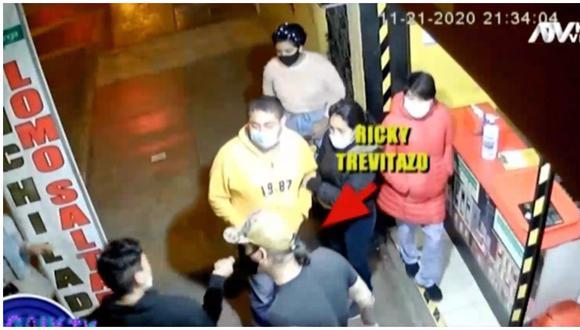 Ricky Trevitazo protagoniza incidente y agrede a comensal de su sanguchería. (Foto: Captura ATV)