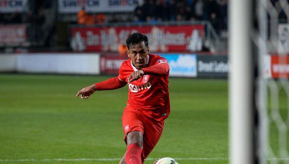 Renato Tapia anotó un nuevo tanto con el Twente
