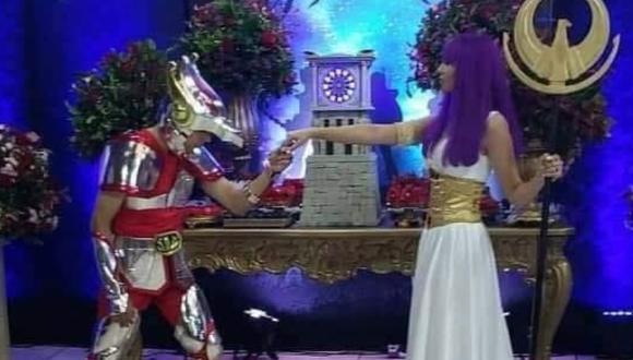 """¡Dame tu fuerza, matrimonio! Pareja se casa al estilo de """"Los Caballeros del Zodiaco"""""""