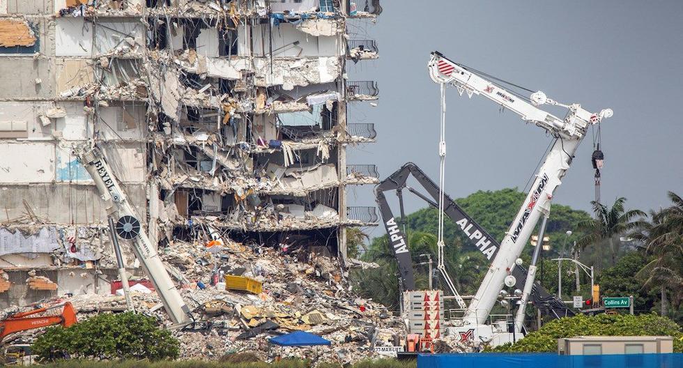 Vista de las labores de recuperación y rescate en el edificio derrumbado en Surfside, en el condado de Miami- Dade, Florida, Estados Unidos. (Foto: EFE/ Cristobal Herrera-Ulashkevich)