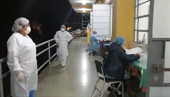 Obstetras trabajan en balcón de Hospital COVID-19 por obras inconclusas del GRA