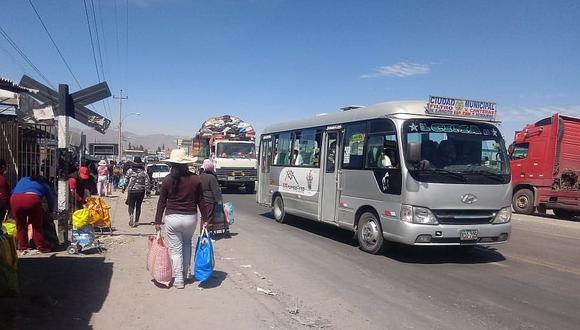 Servicio de transporte urbano y taxi se restablece en Arequipa desde este lunes