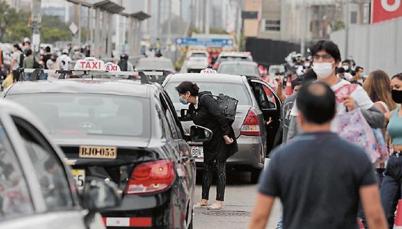 Los conductores únicamente deberán presentar su Documento Nacional de Identidad (DNI) para ser atendidos