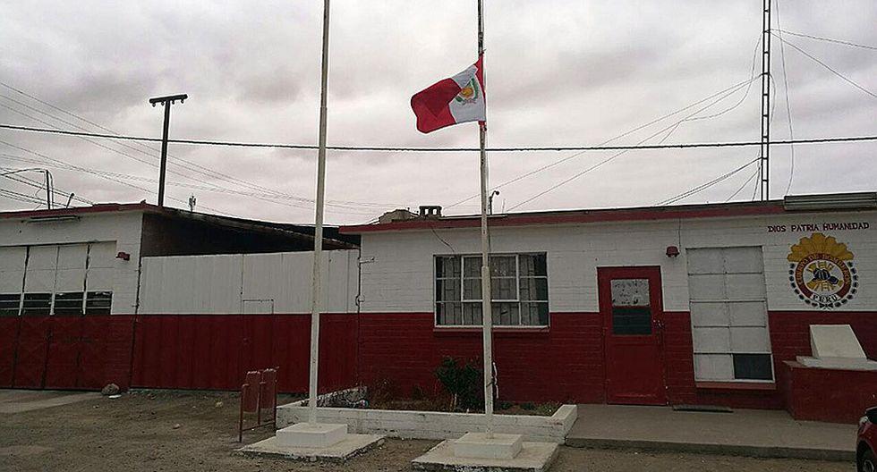 Facebook: Bomberos de Moquegua izan banderas de Compañías a media asta