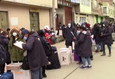 Trabajadores de la Odpe Huancayo realizan largas colas para entregar material electoral