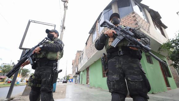 Más de 1,000 policías garantizarán seguridad del primer lote de 300,000 dosis que hoy llegan de China a las 8 de la noche aproximadamente. (Foto: Eduardo Cavero / GEC)