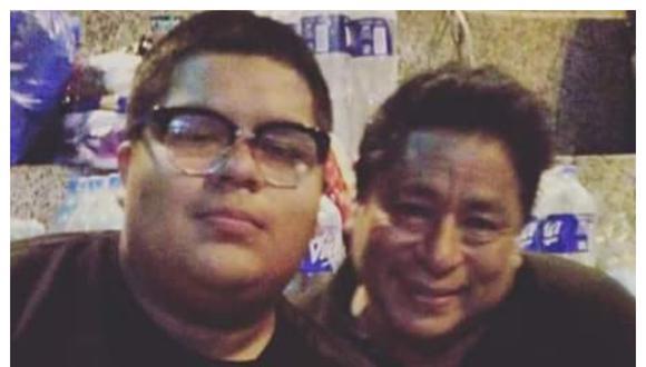 Chacaloncito y su padre en una foto publicada en la red social del actor. Foto: Facebook