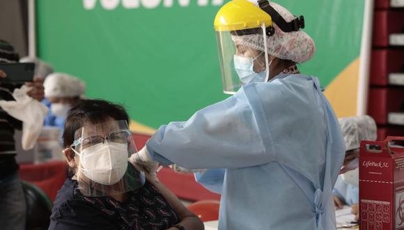 Perú ocupa el cuarto lugar entre los países andinos que vacunan más rápido contra la COVID-19. (Foto: GEC)