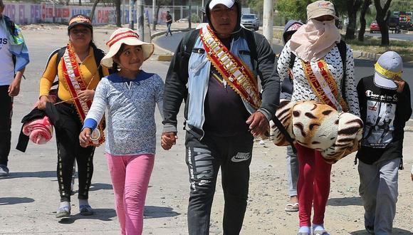 """Cientos de peregrinos van al encuentro de """"Mechita"""""""