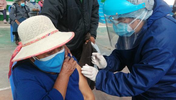 La vacunación está priorizada para 4 distritos de Arequipa. (Foto: Albetty Lobos)