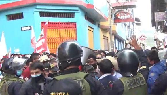 Cajamarca: público asistente al debate genera aglomeraciones por escaso distanciamiento (Foto: captura de video transmisión facebook)