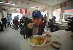 Adultos mayores de la 'Casa de Todos' disfrutaron de un banquete por el Bicentenario (FOTOS)