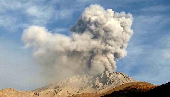 Así fue la explosión en el volcán Ubinas en la región Moquegua (VIDEO)