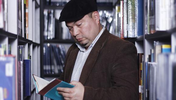 """Pedro Félix Novoa (Huacho, 1974) es autor de libros como """"Maestra vida"""", """"Tu mitad animal"""", """"La sinfonía de la destrucción"""", entre otros. (Foto: Lenin Tadeo/GEC)"""