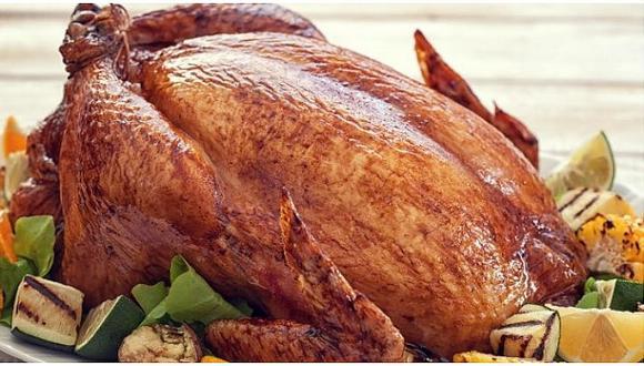 ¿Aun no tienes la receta para preparar el pavo para Nochebuena? Aquí te dejamos algunas opciones fáciles de preparar.