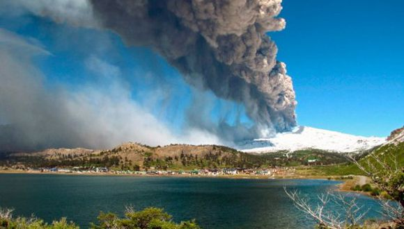 Montan plan de evacuación por erupción de volcán Copahue