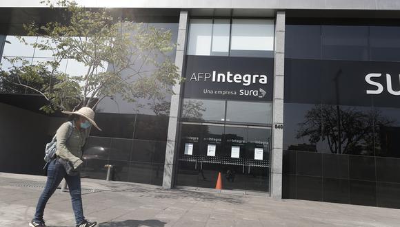 Este miércoles se promulgó la ley que autoriza el retiro de hasta 4 UIT (S/ 17,200) de los fondos de las AFP. (Foto: GEC)