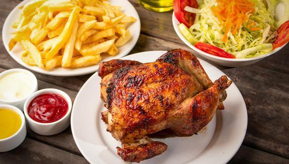 Los peruanos tenemos nuestra hora favorita para degustarlo el pollo a la brasa y ciertos tipos de acompañamientos que nos son infaltables.  (Foto: Shutterstock)