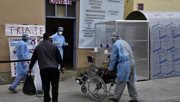 Bolivia se encuentra en ascenso de casos positivos de esta enfermedad ahora en un tercer pico de contagios con reportes de más de 2.000 positivos diarios que no se contabilizaban desde la segunda ola. (Foto: AIZAR RALDES / AFP)