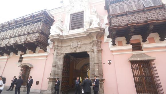 El último martes 8 llegaron al Perú 21 cónsules con un total 2.646 actas electorales correspondientes a la segunda vuelta electoral del pasado 6 de junio. (Foto: GEC)