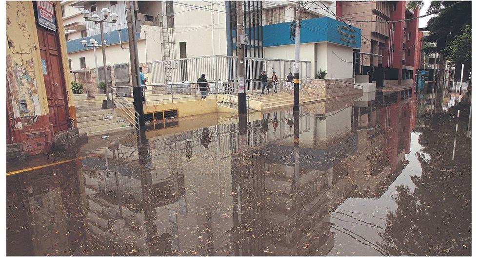 Precipitaciones pluviales moderadas afectaron diversas localidades de la región