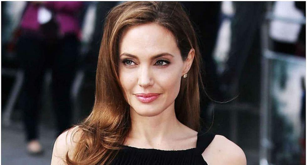 Angelina Jolie y su madre lucen muy parecidas en inéditas fotografías