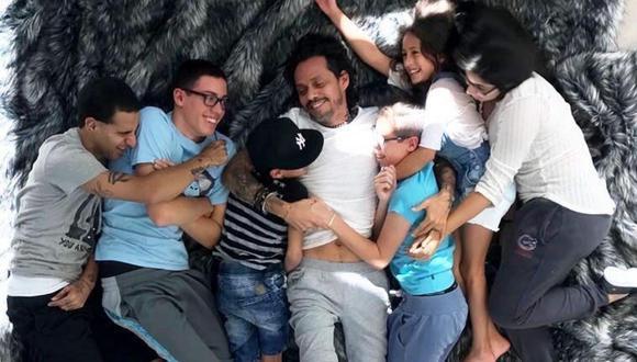Arianna, Álex, Cristian, Ryan, Emme y Max son los seis hijos del artista de Puerto Rico, quien ya cumplió 52 años de edad.
