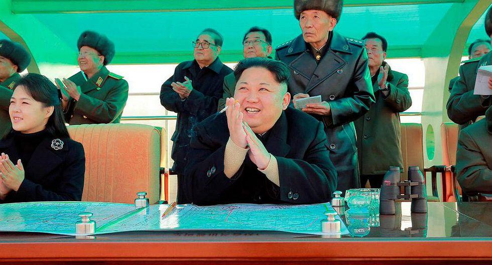 Corea del Norte: Kim Jong-un supervisa competición de lanzamientos de artillería