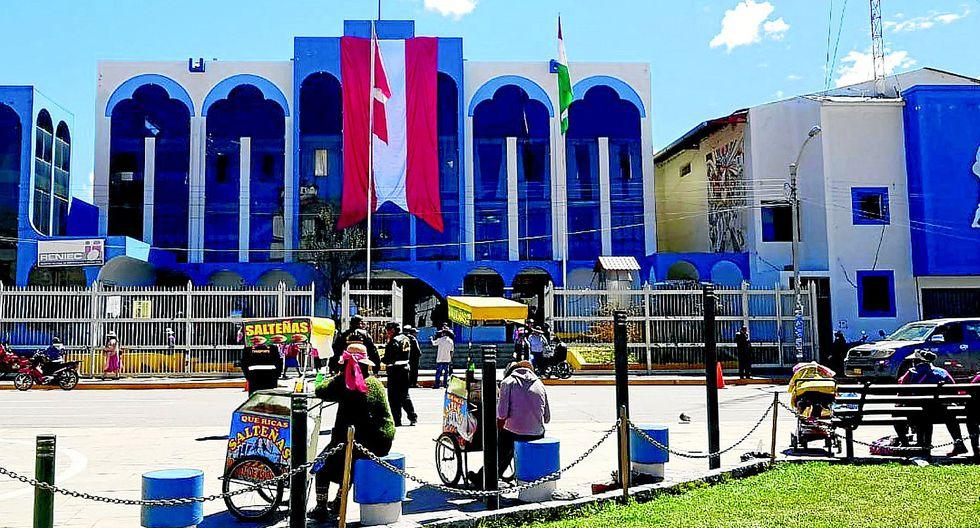 Comuna de Azángaro se ha convertido en el fundo del alcalde