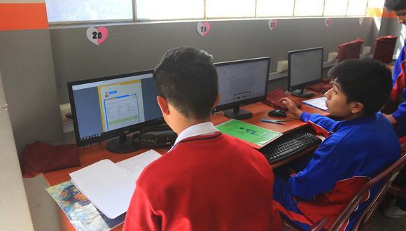 Minedu entregará 227 laptops a algunos colegios de Arequipa