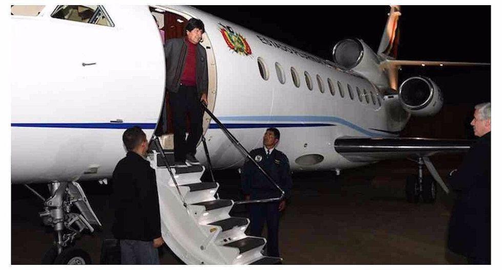 Evo Morales vuelve a Bolivia tras someterse a cirugía en Cuba